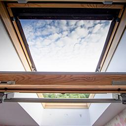 Fenêtres de toit et stores