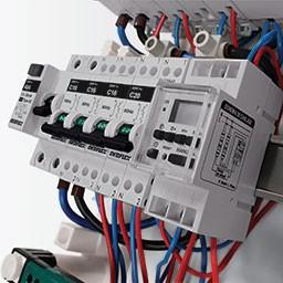 Tableaux électriques et coffrets de communication