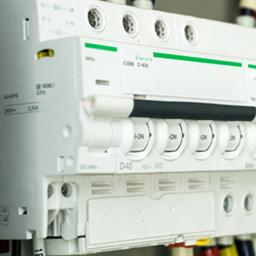 Tableaux électriques et composants
